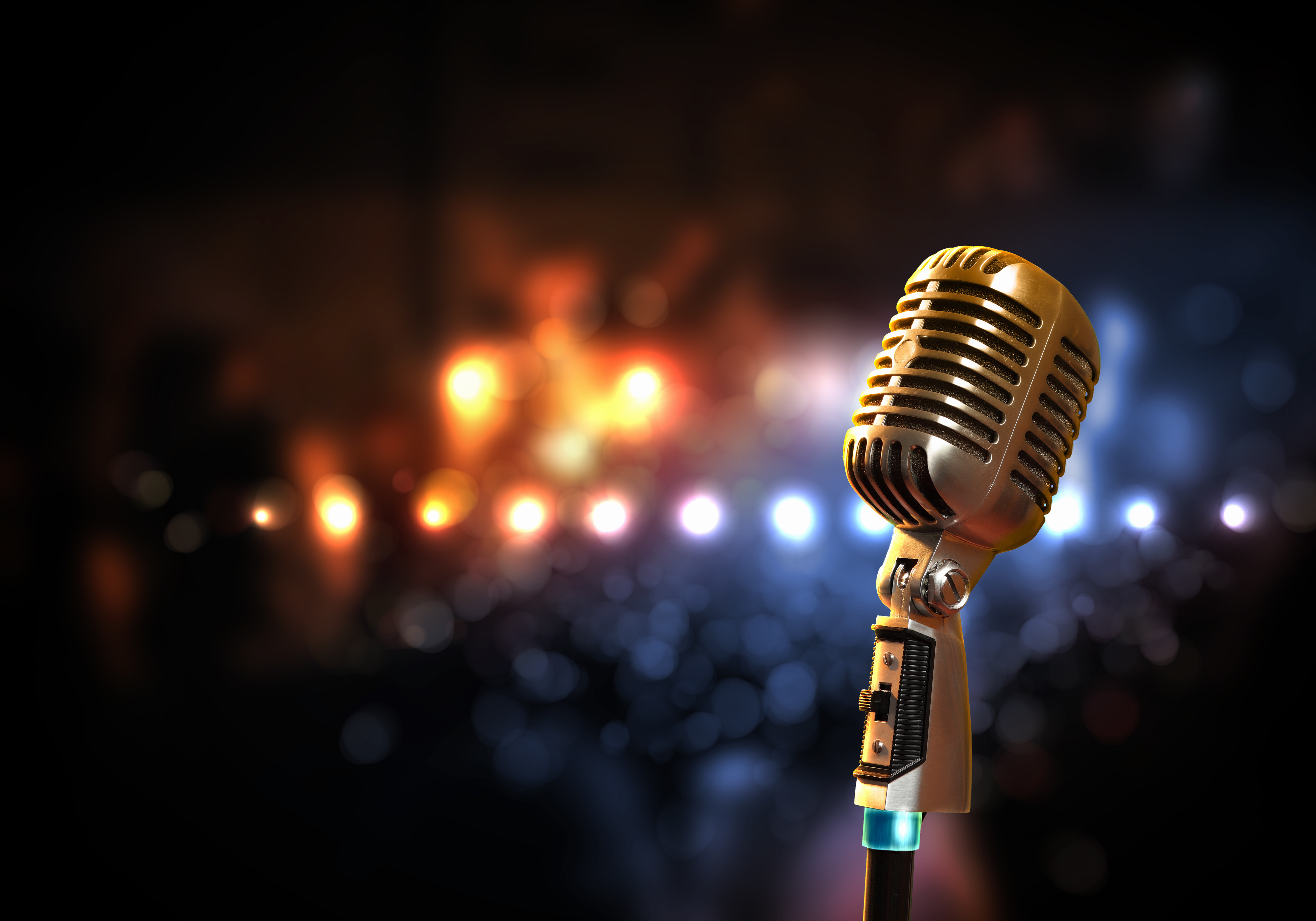 Stage_with_Microphone