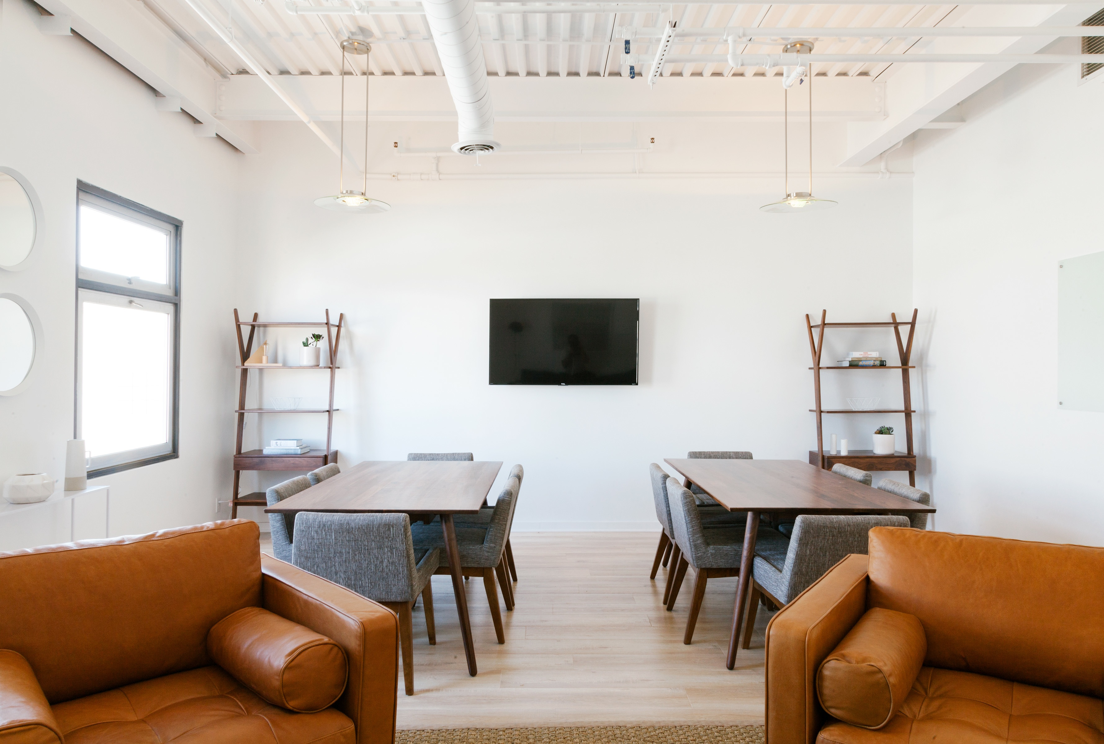 Image of meeting room by Breather 2