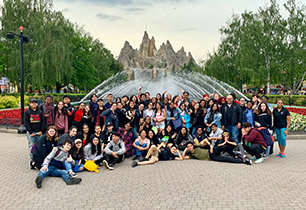 Group of student at Canada's Wonderland